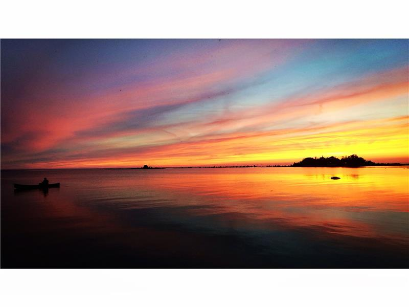 Sunset Cove Waterfront Cottage on - Sauble Beach Cottage ...