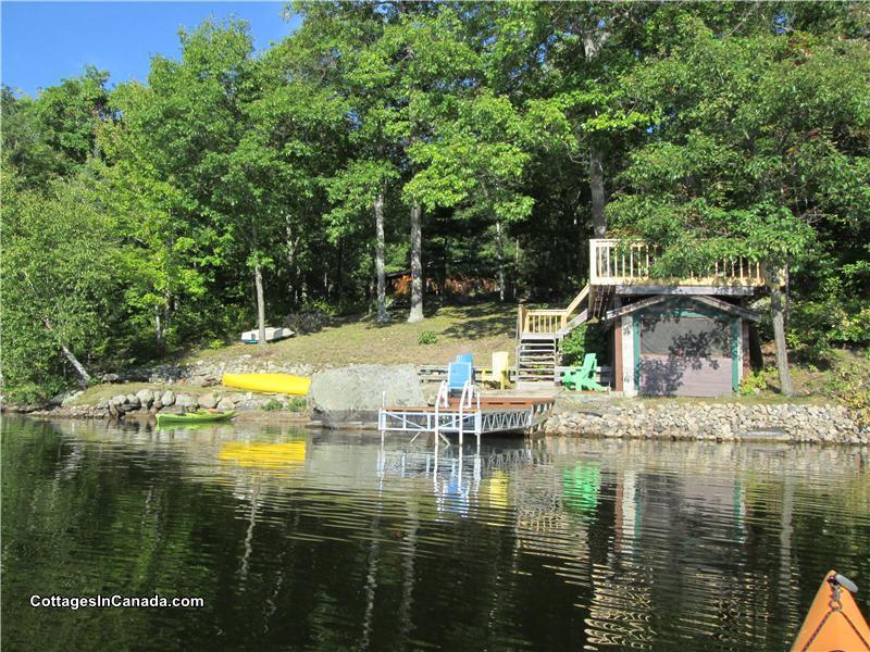 Log Cottage On Kaminiskeg Barrys Bay Cottage Rental Gl