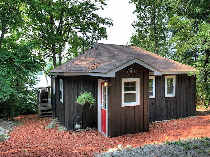 little red cottage quaint and bancroft cottage rental di 11416 rh cottagesincanada com red bay ontario cottage rentals red bay ontario cottage rentals