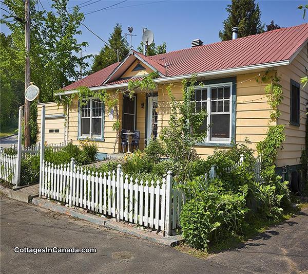La maison sur la rivi re chalet louer baie saint paul for Auberge grande maison baie st paul