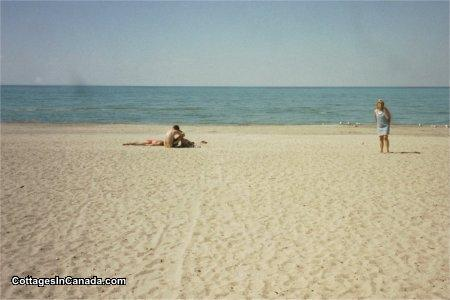 Beach Front Cottage Wasaga Al Gl 13595 Cottagesincanada
