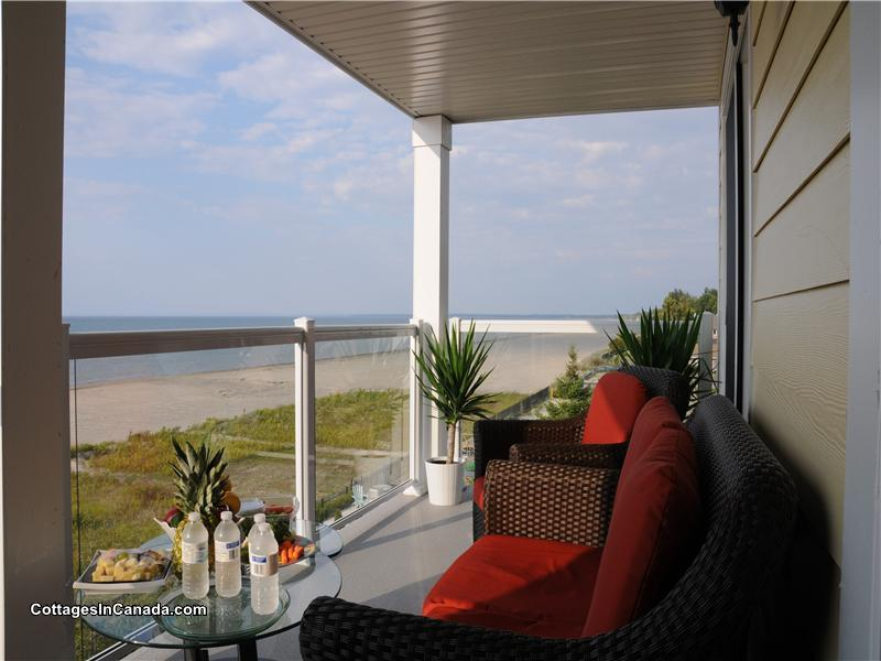Spectacular Beachfront Views Only Wasaga Beach Cottage Rental Gl  Cottagesincanada