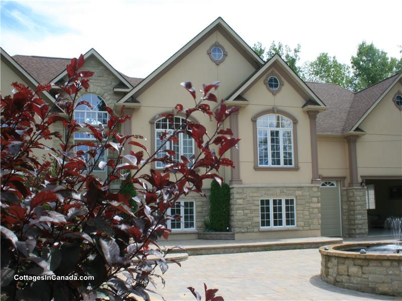 luxury 6 bedroom lake retreat barrie cottage rental di 16748 rh cottagesincanada com