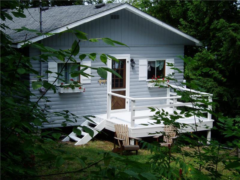 chandos lake cottage apsley cottage rental gl 20047 rh cottagesincanada com Kawartha Lakes Ontario Kawartha Cottage Rentals