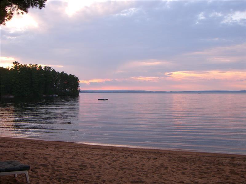 Round Lake Cottage Sandy Beach Round Lake Centre