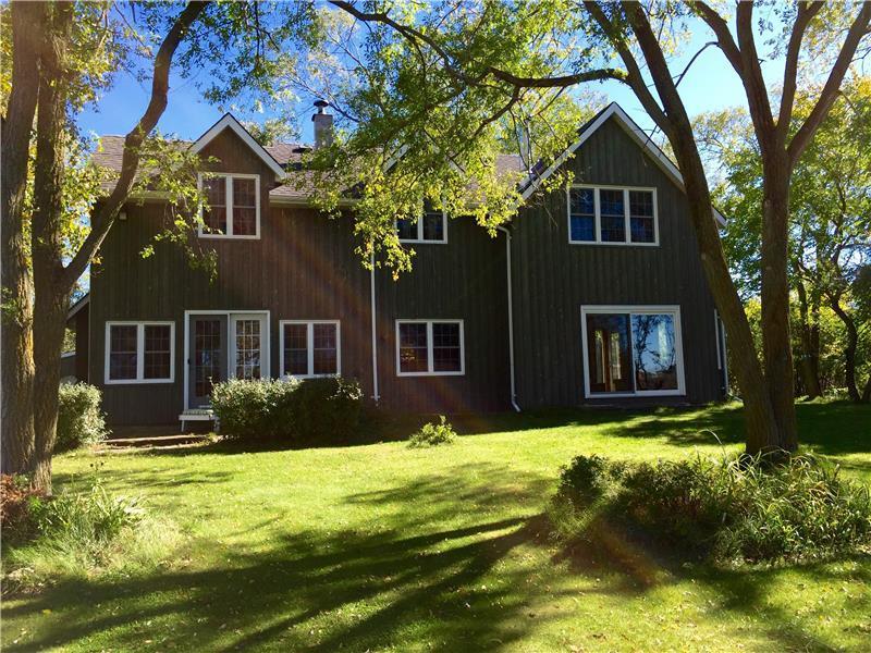 waterfront home cottage thompson picton cottage rental di 21179 rh cottagesincanada com