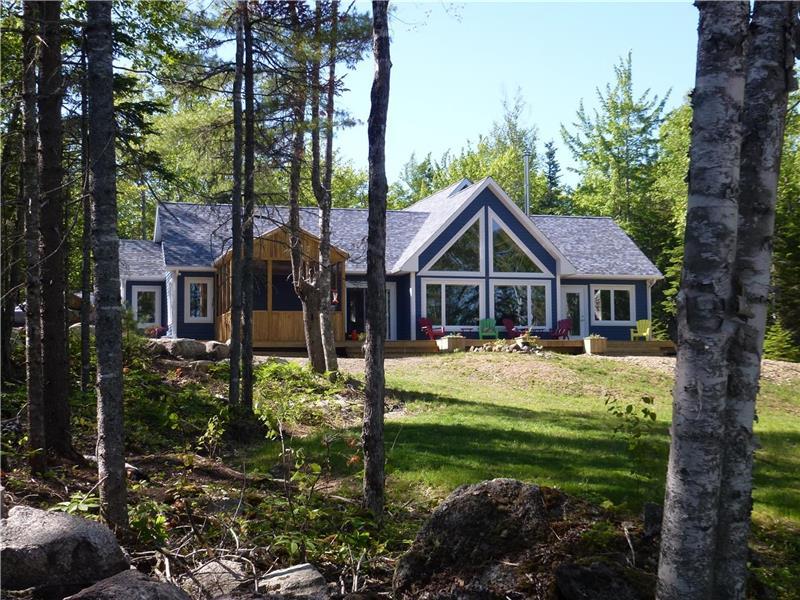 Deluxe Lakefront Cottage Ski Windsor Cottage Rental