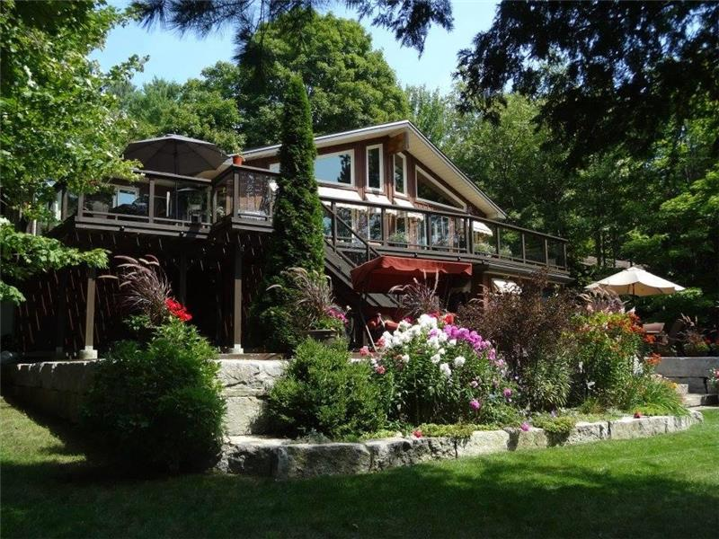 Chandos Lake 111 Waterfront Apsley Cottage For Sale
