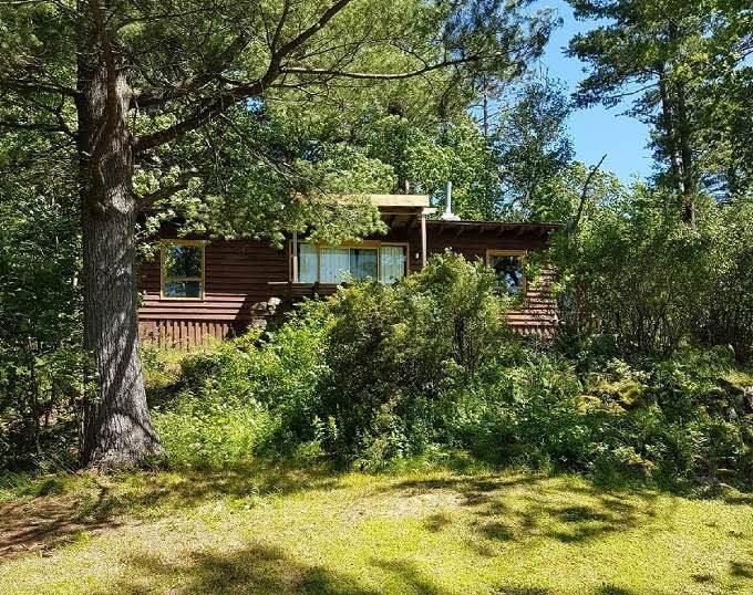 Sensational Crows Nest Cottage 1000 Islands Gananoque Cottage Download Free Architecture Designs Licukmadebymaigaardcom