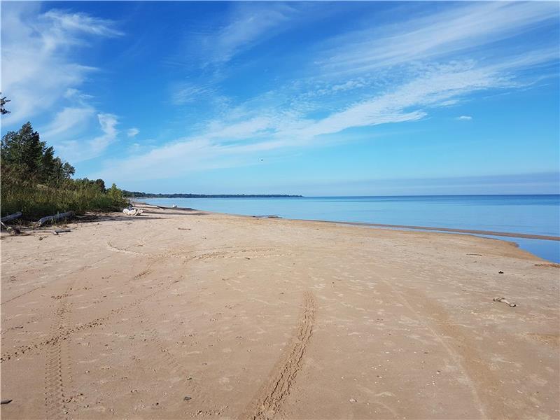the beach house executive ipperwash beach cottage rental di rh cottagesincanada com