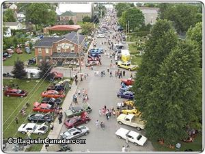 Car & Cruise show in Merrickville