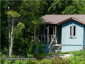 Cottage #7 two bedroom sleeps 4 pleople