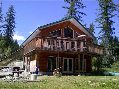 Escape Away 6 Bedroom Lake Front Cottage Cranbrook Rockies