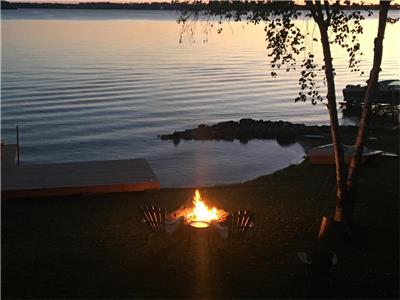 Fenelon Retreat (Cameron Lake - Excellent Waterfront)