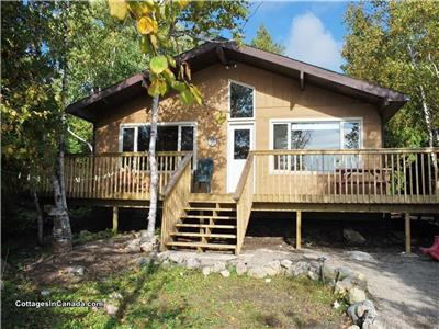 Mai-Fehr Cottage (My Fair Cottage), Bradley Harbor **WATERFRONT*PRIVATE*CANOE &PEDAL BOAT INCLUDED**