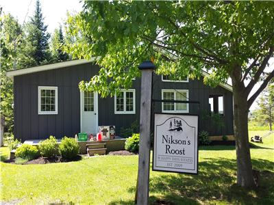 Nikson's Roost -Waterview Cottage