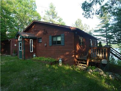 Smiths falls eastern ontario ontario cottage rentals for Falls lake cabin rentals