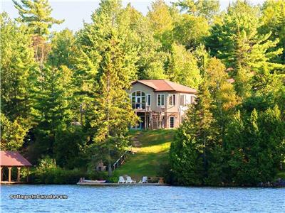 Executive Cottage Oasis- Sept and Oct Availability-Waterfront Cottage Rental. .