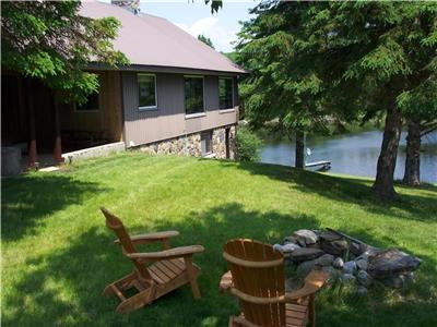 Tumble Inn -Eco friendly, close to Algonquin Park, 400 Acres of privacy, 2 owned private lakes