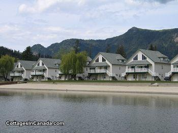 Shuswap/Sicamous-White Pines Resort on Mara Lake Condo Rental