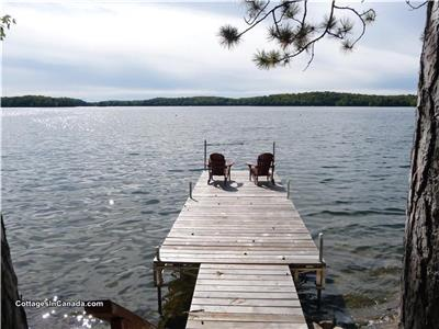 Chandos Lake Point Cottage