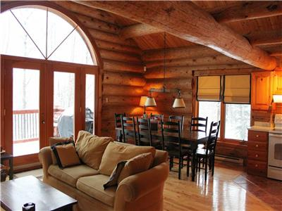 Villa Mercier - Private Log Home in the heart of Tremblant! - WIFI / Pet Friendly