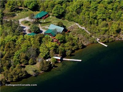 The Winking Rosebud Lakeside Retreat near Westport for Family Reunions and Corporate Events