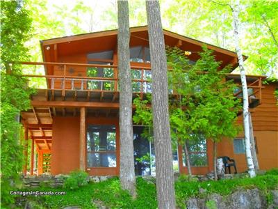 ** GORGEOUS LAKEFRONT VICEROY CHALET **  Escape the Ordinary & experience Nature at its Best!