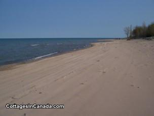 Grand Bend / Zurich / Bayfield Lakefront Getaway - Private Beach