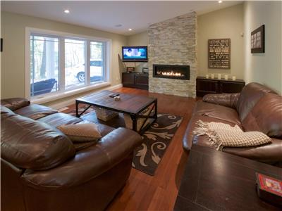 Hidden Gem Cottage: Large Luxury Family Cottage in Grand Bend's Southcott Pines!