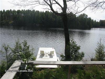 Charming Lakeside Cottage - Available for CRANBERRY FESTIVAL 2015!