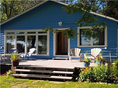 Chalet Bleu on Lake Simcoe Comfortable for Families with great swimming