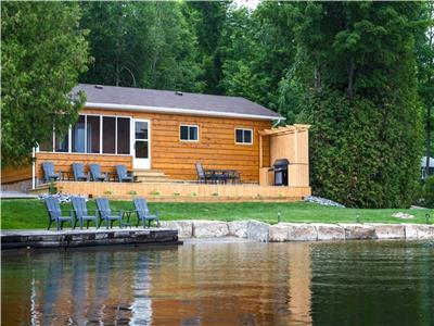 BEACH WATERFRONT PAUDASH LAKE *Air conditioning* WIFI* satellite* garbage removal * Weber BBQ