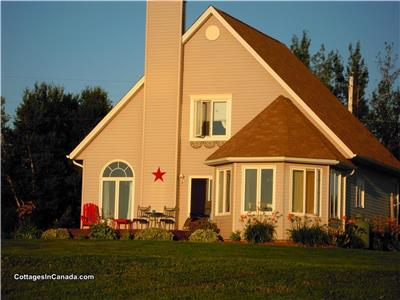 Oceanbreeze Beach House - Four-Season Oceanview NS Vacation Home