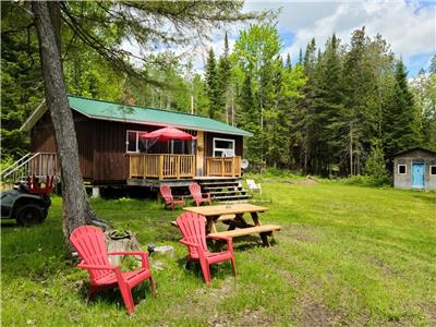 Lazy Bear Lodge at Madawaska River