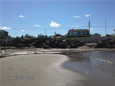 ~ HappyLand ~ For beach lovers ~ Directly on private water front sandy beach