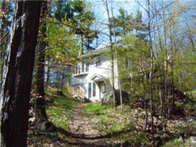 Idyllic 6 Acre Kayser Island Estate in Newboro Lake