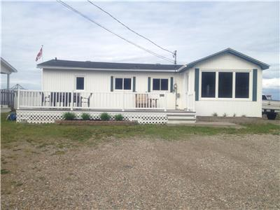 Executive cottage - located directly on Youghall Beach