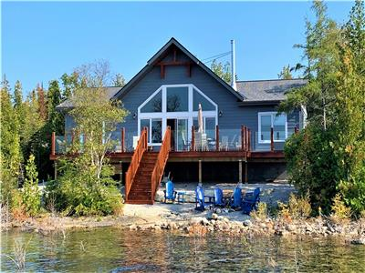 Cedar Shoals: West coast inspired luxury rental cottage on Lake Huron, Tobermory - Hot Tub