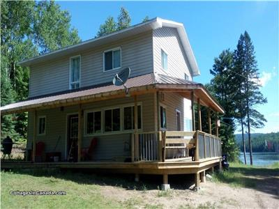 Large Cottage on Lake Talon (sleeps 12)