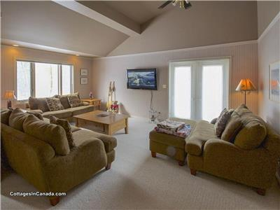Beach Woods Cottage... Luxury in Grand Bend's Huron Woods!