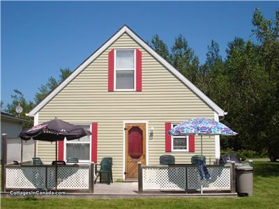 PARLEE BEACH--AVAILABLE JUNE TO SEPTEMBER 2019--3-BEDROOM COTTAGE/CHALET-Shediac, NB
