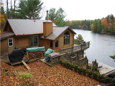 Beautiful Devil Lake Cottage