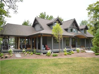 Spectacular Private 5,000 Sq Ft. Cottage With 20' Vaulted Ceiling On Beautiful Lake Manitouwabing