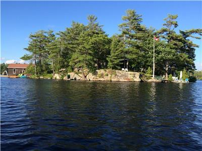 South Muskoka Log Cottage on