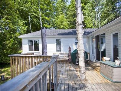 Secluded Collins Lake Waterfront yet 10 minutes from Kingston- August 13-16th open
