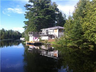 Family Cottage (Aug 2nd weekend Available!)- Includes Kayaks & Paddle Board