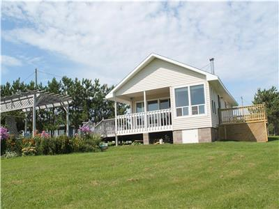 Cozy Pines Cottage Amherst Shore Gorgeous Beach !!! Warm Water and lots of Sandbars.