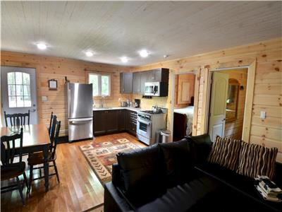Trail's End Cabin - Waterfront Cottaging in Style - Haliburton area