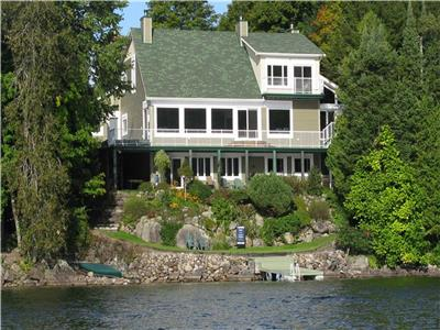 LAKEFRONT DREAM HOME: 1-hr Ottawa.  Fully self-contained Pvt 2 BR Guest Suite or established rental